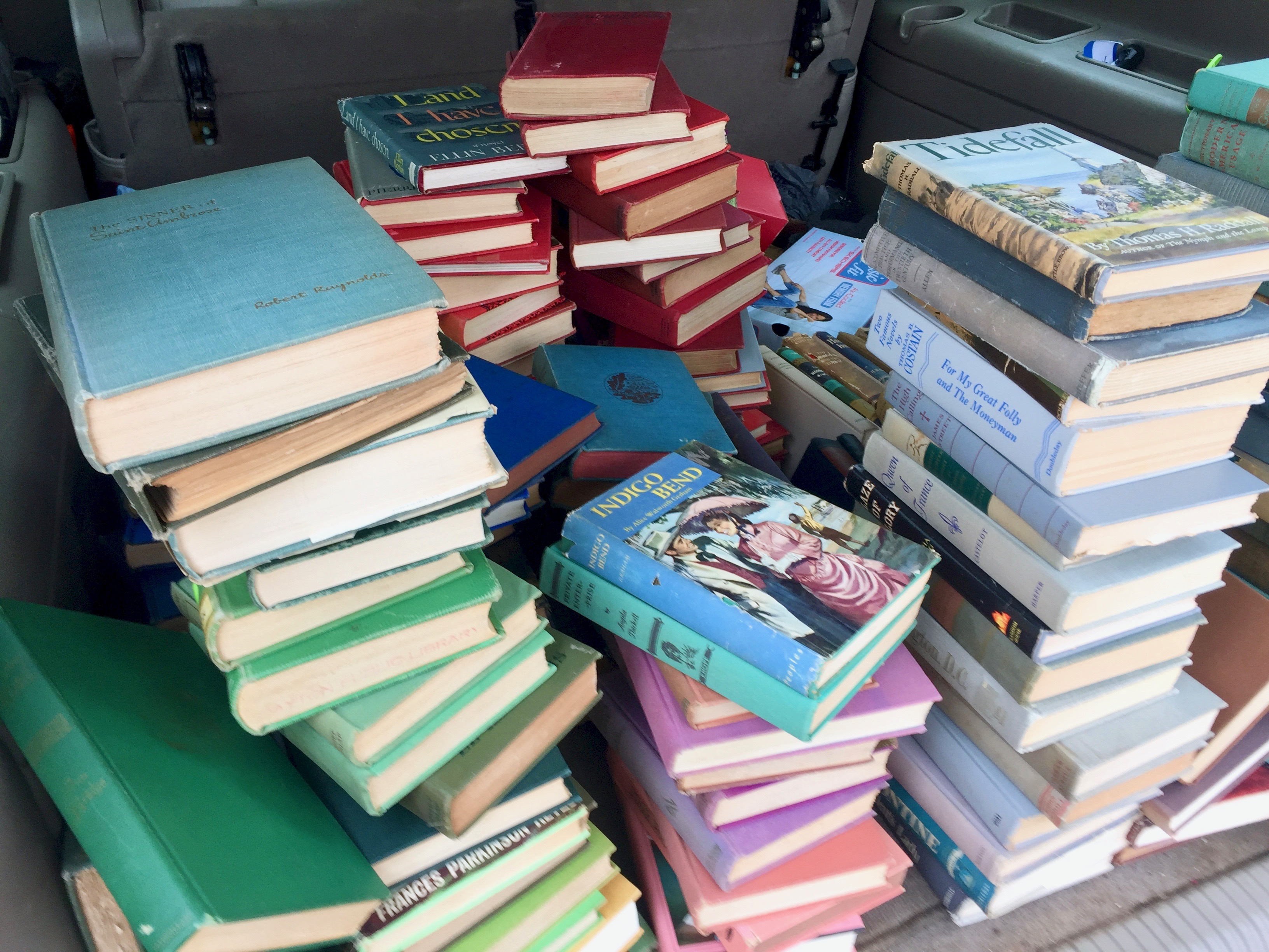 How to find vintage books for sale
